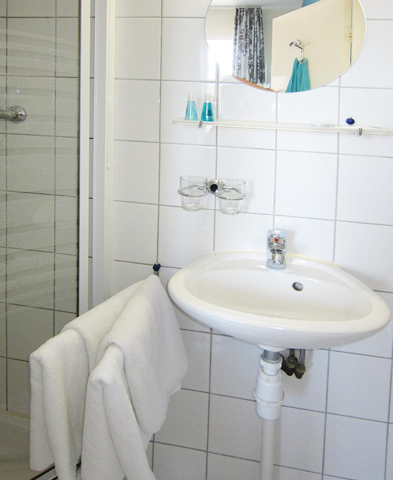 Pension Zandvoort kamer Azzurro 800 x 977 03